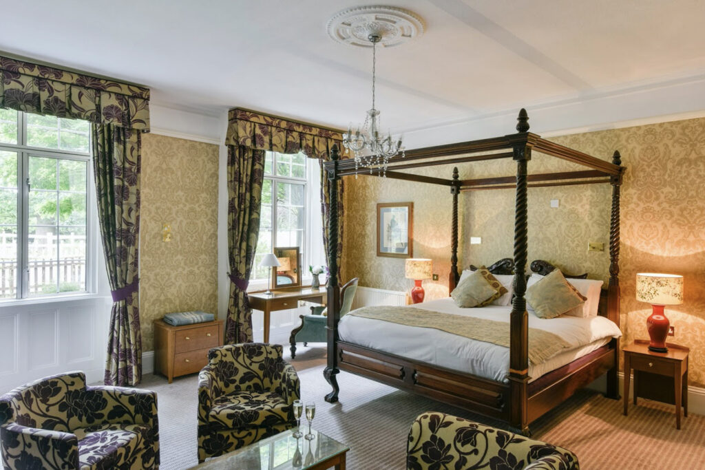 Stay at the Charlecote Pheasant Hotel Stratford Upon Avon ROOM 3