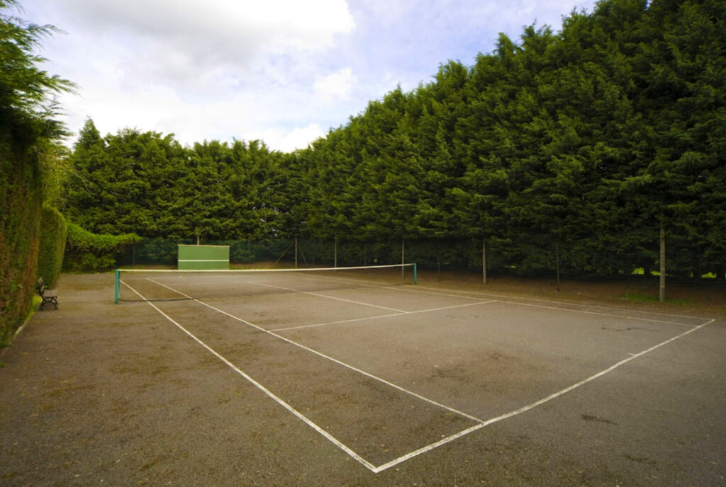 The Charlecote Pheasant Hotel tennis court