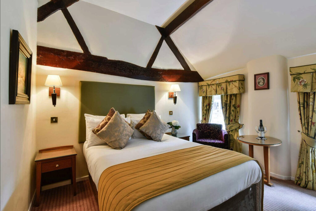 The Charlecote Pheasant Hotel Room 18