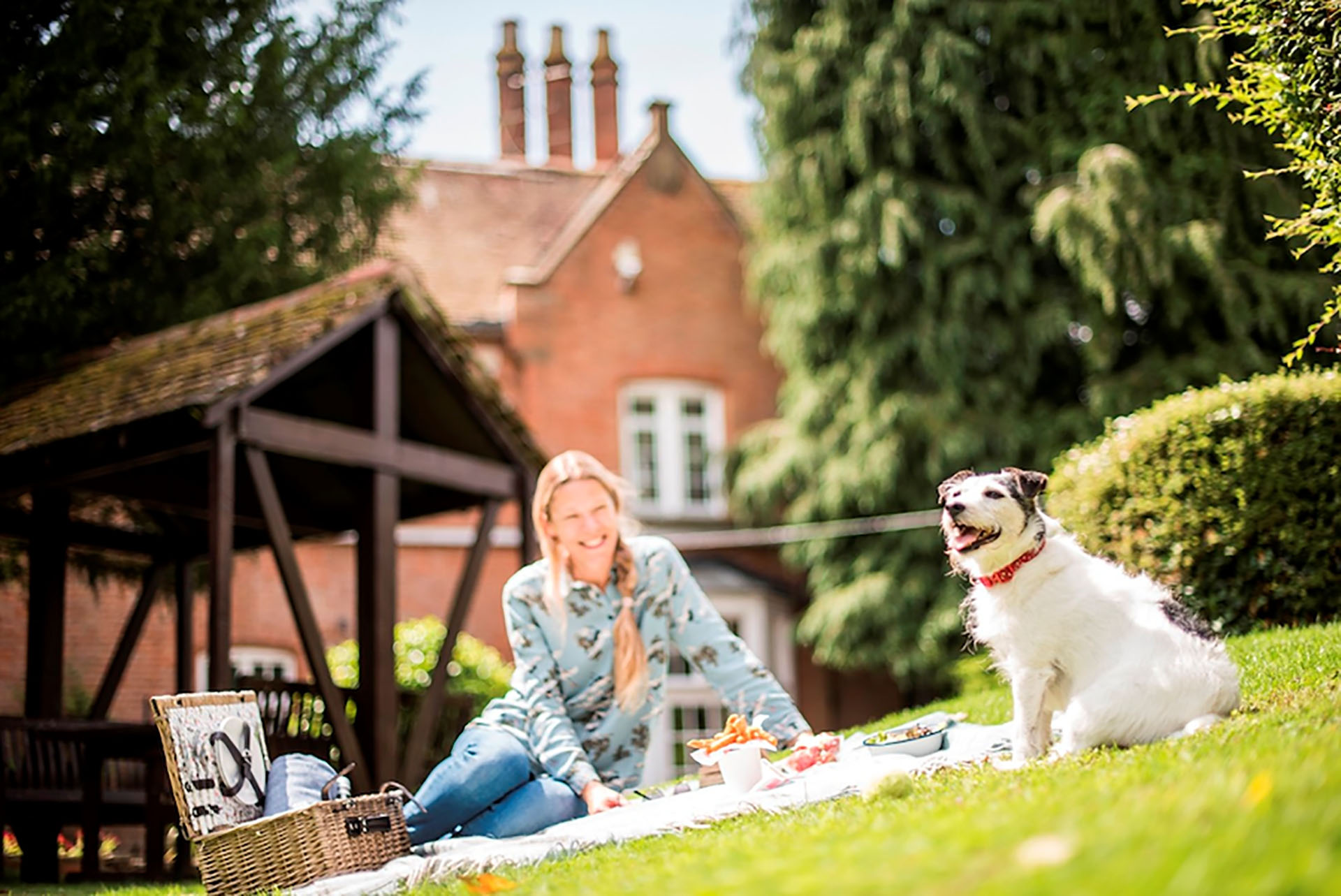 Dog friendly rooms at Charlecote Pheasant Hotel